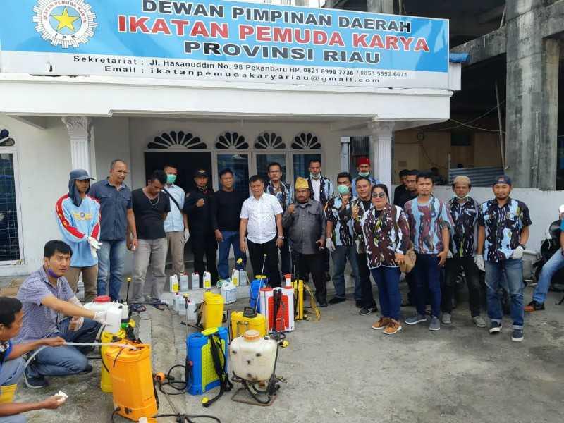Gerakan Peduli Corona, DPD IPK Riau Semprot Disinfektan di Sejumlah Rumah Ibadah di Kota Pekanbaru