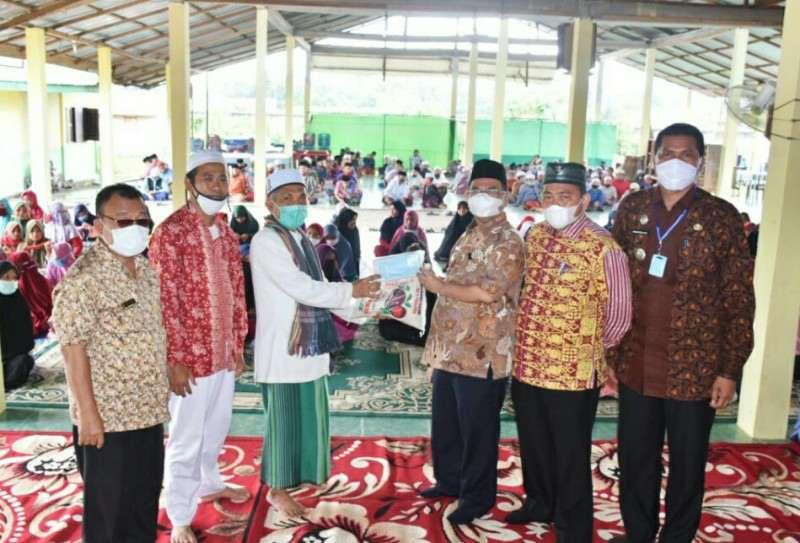 Pemkab Sergai Serahkan Bantuan Masker Ke Pesantren Zakiyun Najah
