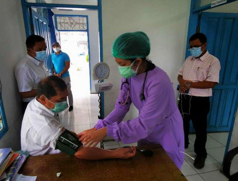 Di Tengah Pandemi Covid-19, Bupati Karo Donorkan Darahnya