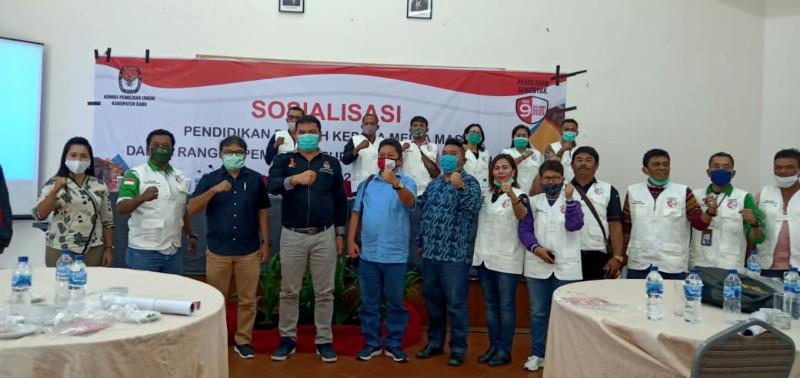 KPU Karo Buka Sosialisasi Pendidikan Pemilih Bagi Media Massa