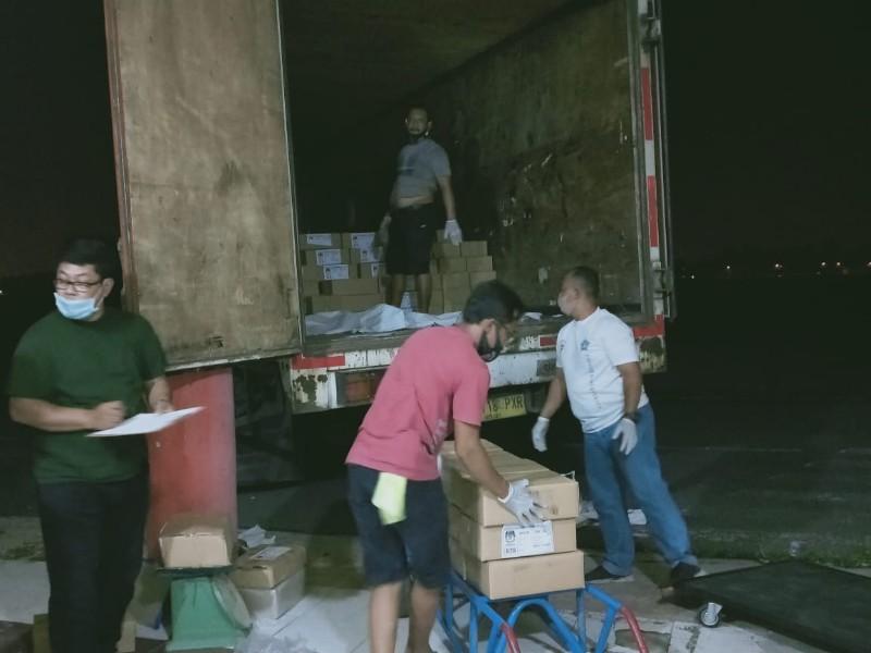 1.643.175 lembar surat suara Pilkada Medan 2020 tiba di gudang KPU Medan ex Bandara Polonia Medan, Minggu (15/11/2020)