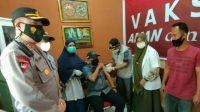 Sukseskan Vaksinasi Nasional Manajer PTPN I Cot Girek Di Vaksin Langsung Kadinkes Aceh Utara