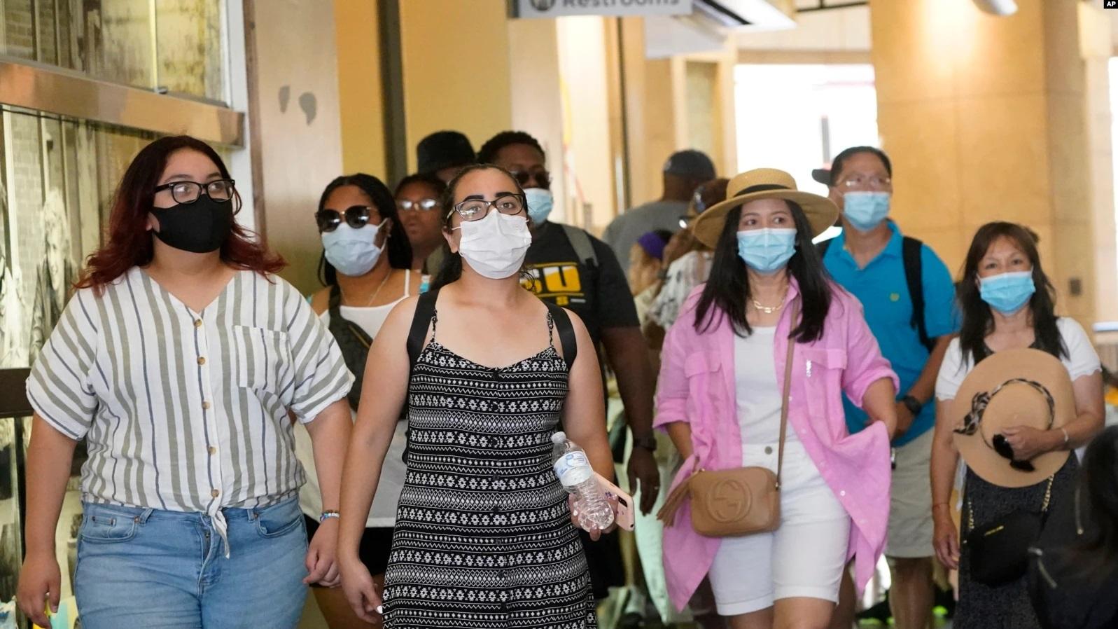 CDC Amerika Kembali Sarankan Penggunaan Masker di Dalam Ruangan