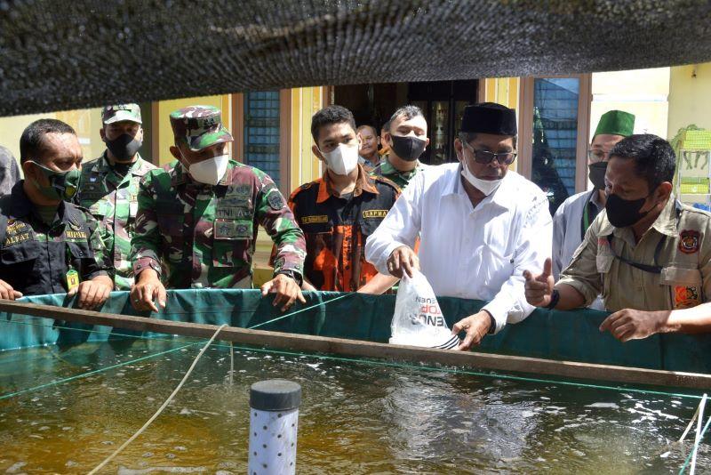 Dibekali TNI Produktif, Warga Termotivasi Budidaya Udang Vaname Raup Jutaan Rupiah