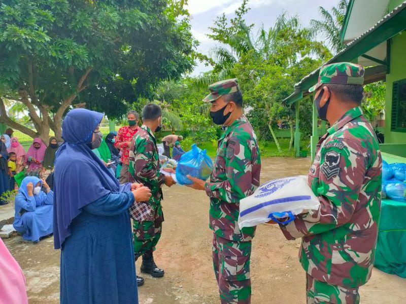 Sampai Amanah Dermawan, Danramil 24 Nibong Salurkan Bantuan pada Masyarakat