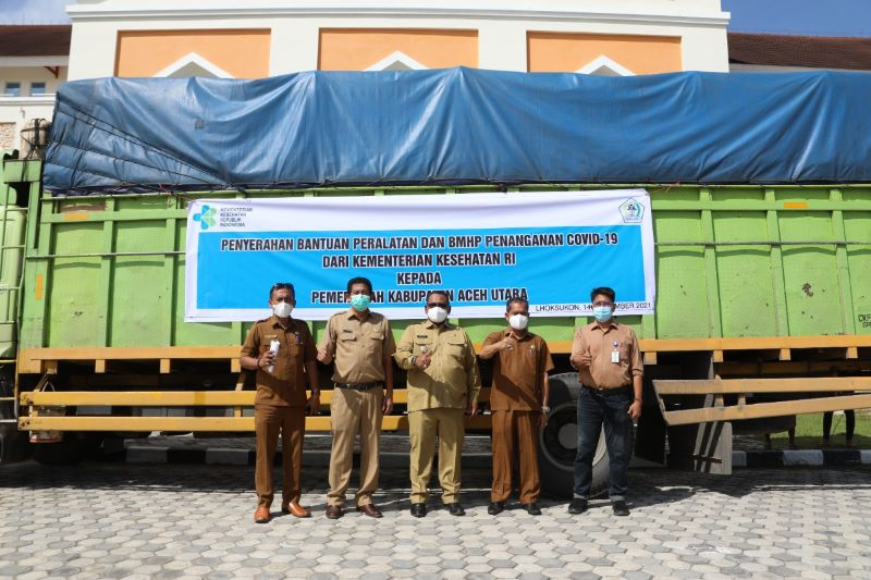 Wabup Fauzi Yusuf Terima Bantuan BMHP Covid-19 dari Kemenkes RI