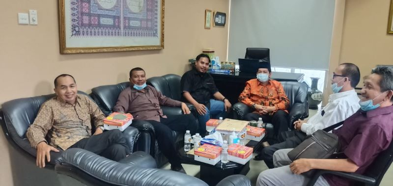 Tim Hukum Pensiunan PTPN II dan IV Bertemu Sekjen MUI Pusat